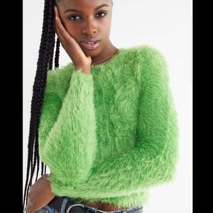 Urban outfitters green Paulina fuzzy cropped cardi